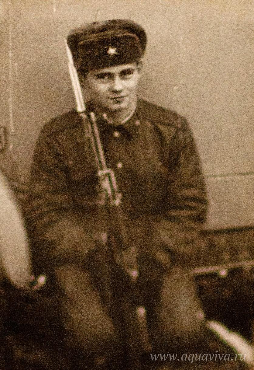 С первого курса семинарии Владимир ушел служить в армию