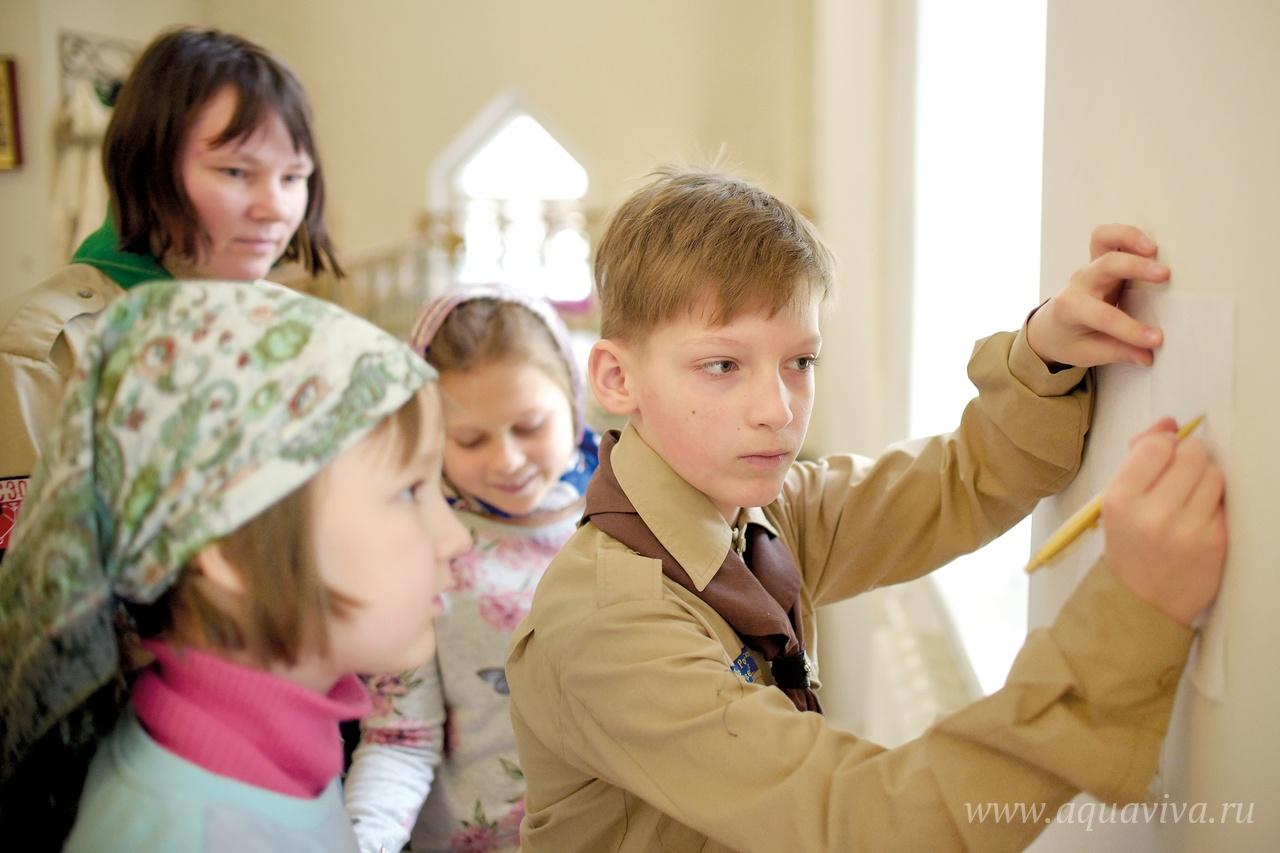 В воскресной школе занимаются ребята самых разных возрастов.