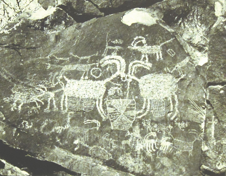 Петроглифы местности Косо в пустыне Мохаве, Восточная Калифорния. От 13 до 3 тыс. лет до Р. Х.