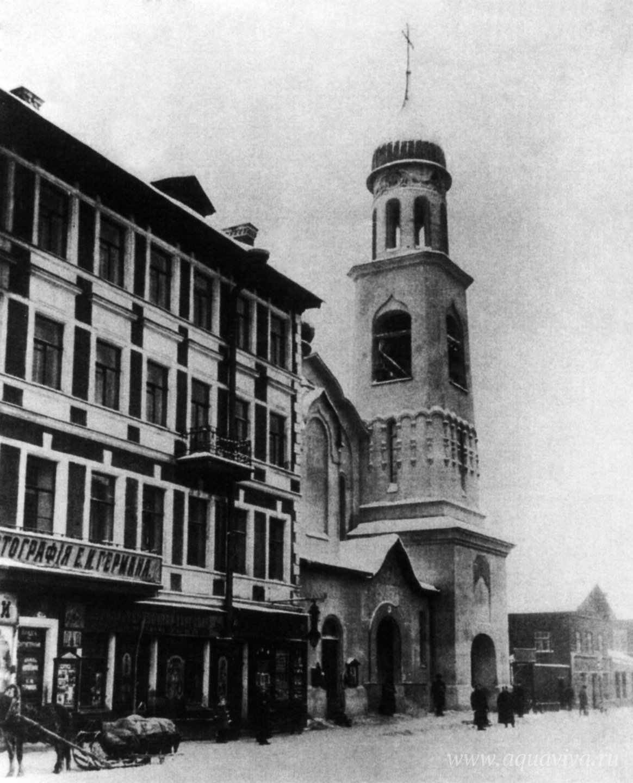 Храму святой Анны Кашинской посчастливилось сохранить исторический облик, пережив годы богоборчества с небольшими потерями