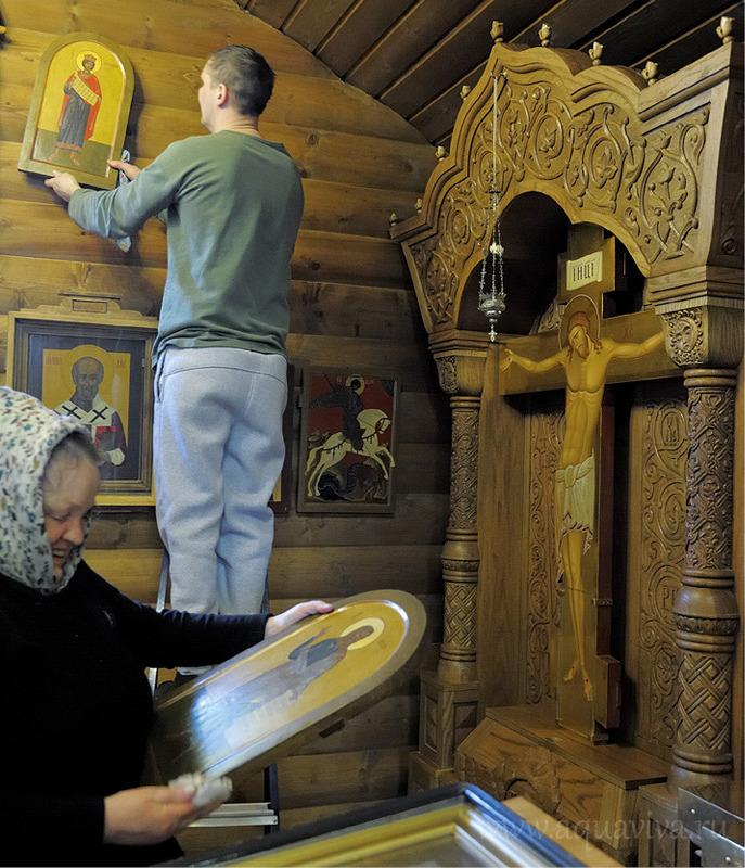 Воспитанники центра помогают и в храме