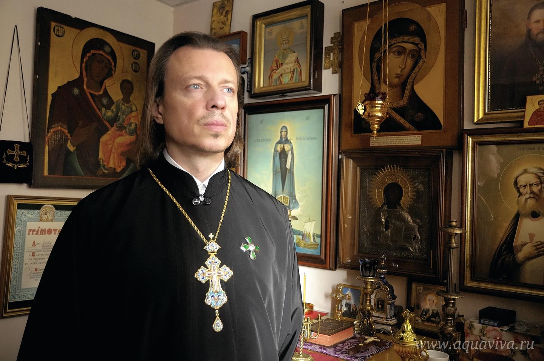 Настоятель церкови Архистратига Михаила, иерей Олег Скобля