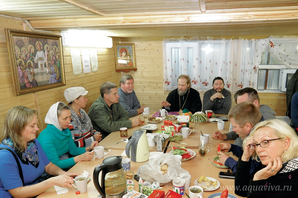 Все собрания братства трезвости проводит настоятель прихода протоиерей Валерий Швецов