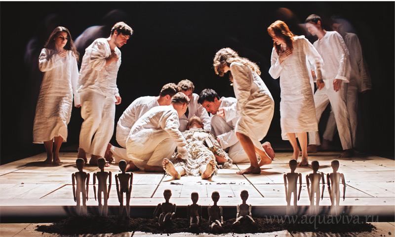 Сцена из спектакля «Книга Иова»