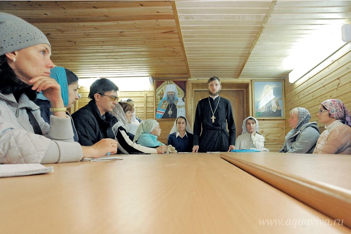 Учебный год в воскресной школе начался с родительского собрания