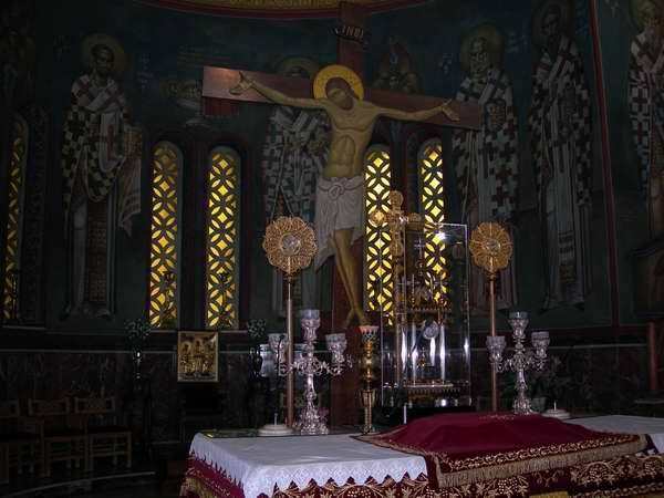 Распятие. Собор великомученика Пантелеимона на ул. Ахарнон в Афинах